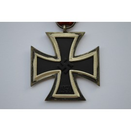 IRON CROSS SECOND CLASS 1939 BY JUNCKER - MAGNETIC WITH CORE W&L.