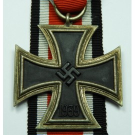 IRON CROSS SECOND CLASS 1939 CALLED LONG FLAW.