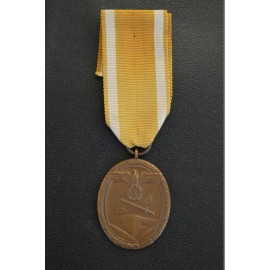A WEST WALL CAMPAIGN MEDAL .