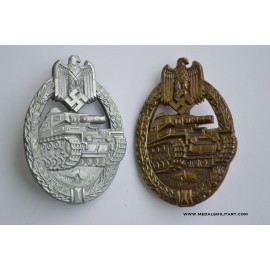 Two Tank Badges Silver and Bronze maker Alois Rettenmaier, Schwäbisch Gmünd.
