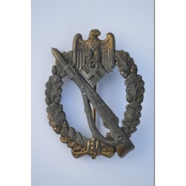 A Bronze Grade Infantry Badge by Schickle, very rare.
