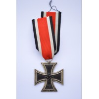 Iron Cross Second Class 1939 of maker Julius Maurer, Oberstein.