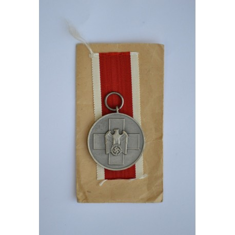 German Social Welfare Medal with enwelope maker marked Gebrüder Godet & Co, Berlin.