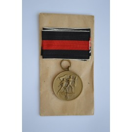 A COMMEMORATIVE MEDAL 1. OCTOBER 1938 WITH ENWELOPE MAKER MARKED E. Ferdinand Wiedmann, Frankfurt am Main