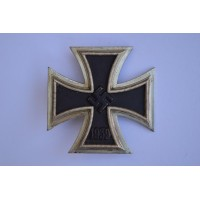 Iron Cross First Class 1939 marked 4 by Steinhauer & Lück