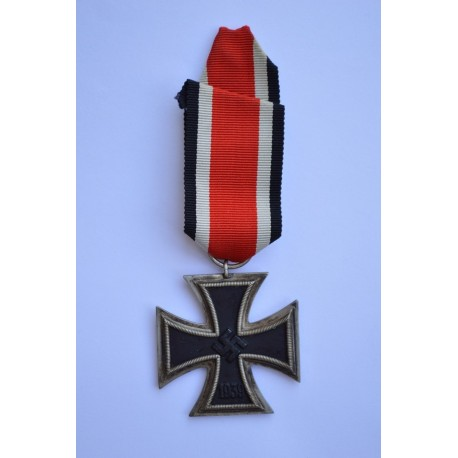 Iron Cross Second Class 1939 of maker Arbeitsgemeinschaft der, Hanau.