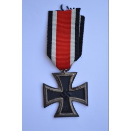 Iron Cross Second Class 1939 of maker Ernst Müller, Pforzheim.