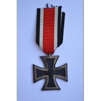 Iron Cross Second Class 1939 of makerErnst Müller, Pforzheim.