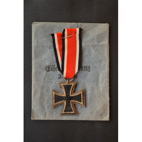 """Iron Cross Second Class 1939 with enwelope,  marked """"55"""" maker Hammer & Söhne."""