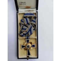 MOTHER'S CROSS GOLD in box maker Alois Rettenmaier.