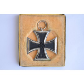 Iron Cross Second Class 1939 marked L/54 maker Schauerte & Hohfeld, Lüdenscheid.