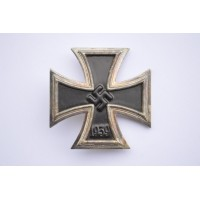 IRON CROSS FIRST CLASS 1939 MARKED L/11 BY WILHELM DEUMER.