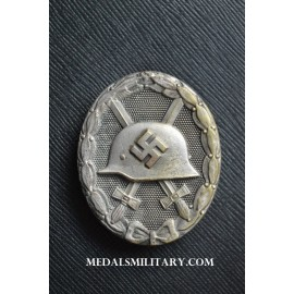 Silver Wound Badge marked L/11 maker Wilhelm Deumer, Lüdenscheid.