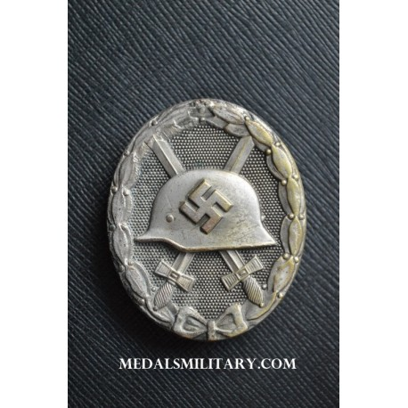 Silver Wound Badge unmarked 30 by Hauptmnzamt Wien