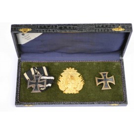 Germany. Iron Cross First Class 1914 and Second Class 1914 in Jewelers box.