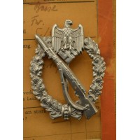 HOLLOW EARLY INFANTRY ASSAULT BADGE IN SILVER BY C.E. JUNCKER WITH PHOTOS OWNER
