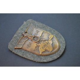 Krim Campaign Shield Wehrmacht, magnetic, maker Friedrich Orth, Wien.