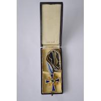 MOTHER'S CROSS GOLD in box maker Werner Redo, Saarlautern.