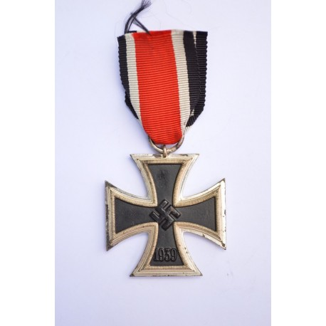 Iron Cross Second Class 1939 of maker Hermann Aurich, Dresden