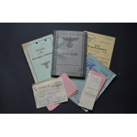 Grouping Documents originating from the German soldier Wehrmacht Josef Jonischowitz.