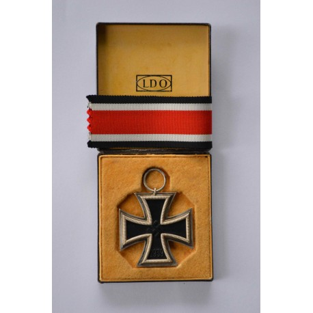 A Cased LDO Iron Cross Second Class 1939