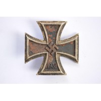 IRON CROSS FIRST CLASS 1939 MARKED 6, BY FRITZ ZIMMERMANN, STUTTGART.