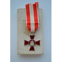 Hamburg Hanseatic War Cross 1914 mint with rare box.