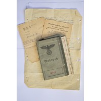 Grouping Documents originating from the German soldier I and II war. Wehrpass & Militarpass.