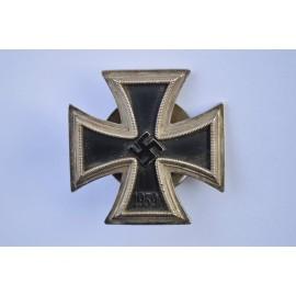 Iron Cross First Class 1939 screw back marked L/58 maker Rudolf Souval, Wien.