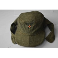 An M43 Enlisted Man's Field Cap.