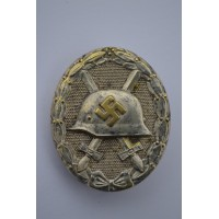 Silver Wound Badge marked 30 wide pin, by Hauptmnzamt Wien.