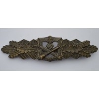 A Bronze Grade Close Combat Clasp by  FEC.W.E.PEEKHAUS BERLIN and AUSF. A.G.M.U.K. GABLONZ