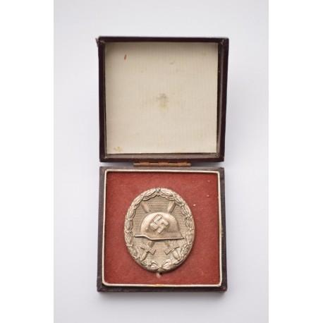 Wound Badge Silver marked 92 with case maker Josef Rückert & Sohn, Gablonz.