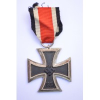 Iron Cross Second Class 1939 of maker 75, always unsigned.