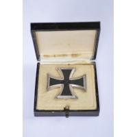 An Iron Cross First Class 1939 in case, unmarked, maker Steinhauer & Lück.