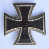 IRON CROSS FIRST CLASS 1939 MARKED L/52, BY C. F. ZIMMERMANN.