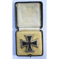 IRON CROSS FIRST CLASS 1939 MARKED L/11 BY WILHELM DEUMER IN CASE.
