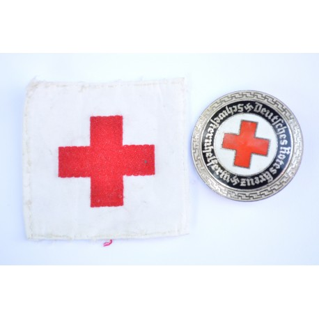 DRK Senior Helper's Service Badge with cloth.