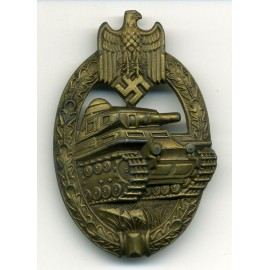 A TANK-BADGE - BRONZE GRADE -  MARKED AS IN TRIANGLE