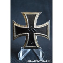 Iron Cross First Class 1939 Schinkel Variant By Deumer.