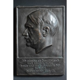 "Plaque Adolf Hitler signed by the artist ""W WOLFF 33""."